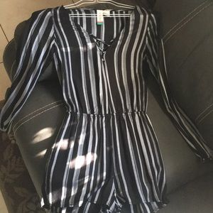 New never used romper (long sleeve)